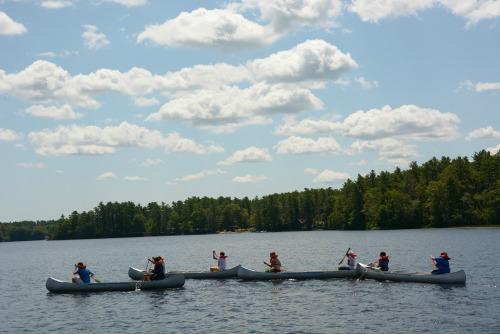 Canoessmall